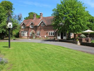 The Lodge at Bashley - 988875 - photo 2