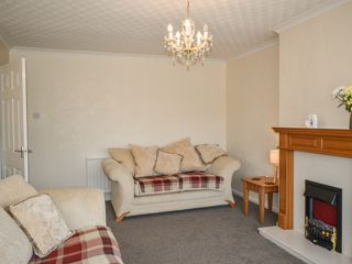 Rossall Beach Cottage - 989223 - photo 10