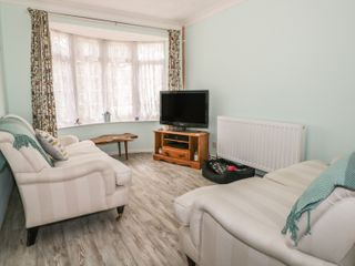 17 Coventry Close - 989792 - photo 3