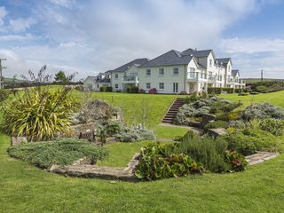 6 Thurlestone Beach House photo 1