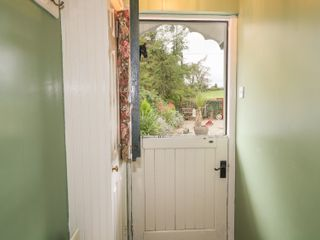 Pear Tree Cottage - 996285 - photo 10