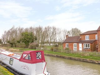 Wigrams Canalside Cottage - 996499 - photo 18