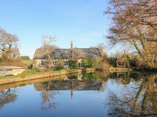 Lower Calbourne Mill - 999302 - photo 2