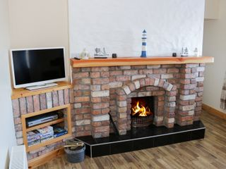Cloonagh Cottage - 999526 - photo 3