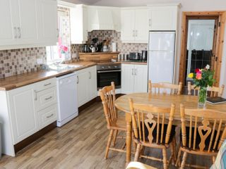 Cloonagh Cottage - 999526 - photo 7