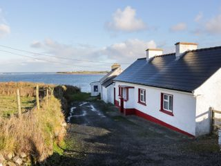 Cloonagh Cottage - 999526 - photo 2