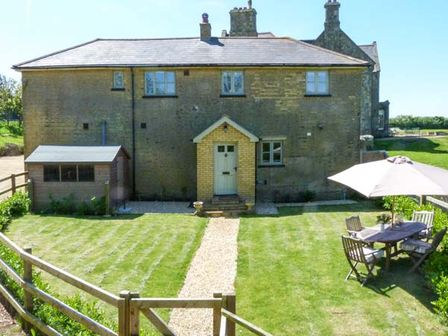 Terrific Luxury Cottages Isle Of Wight 5 Self Catering Cottages On Beutiful Home Inspiration Ommitmahrainfo
