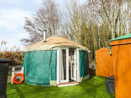 Holiday Yurts UK | Self Catering Yurt Camping with Hot Tubs