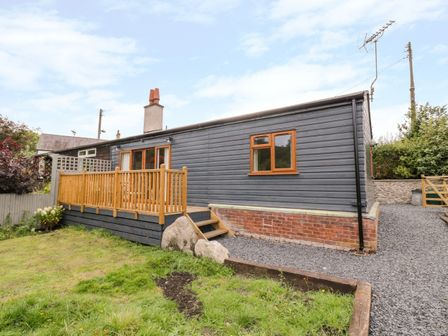 Dog Friendly Log Cabins Pet Friendly Hot Tub Lodge
