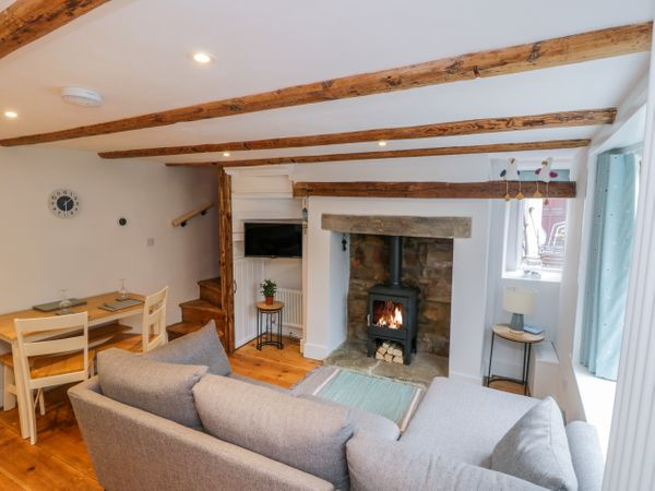 Hagstone Cottage Whitby West Pier North York Moors And Coast Self Catering Holiday Cottage Next to north yorkshire steam railway. mail cottages