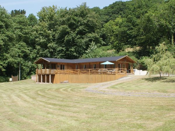 Valley Lodge photo 1