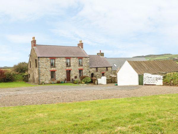 Gwryd Bach Farmhouse photo 1
