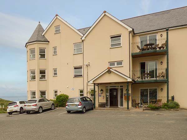 4 Beachcombers Apartments photo 1