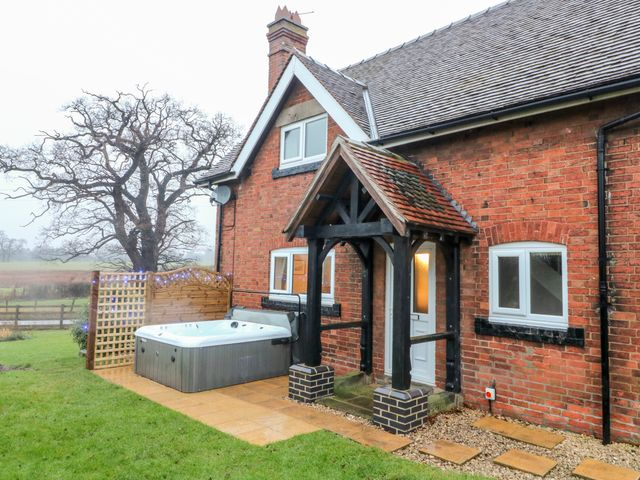 Ardsley Cottage - Longford Hall Farm Holiday Cottages - 1008093 - photo 1
