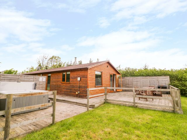 Log Cabin at Furlongs Farm - 1010487 - photo 1