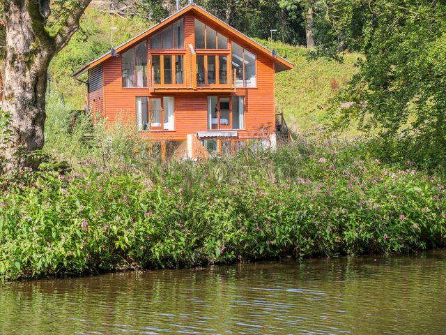 14 Waterside Lodges, Brighouse