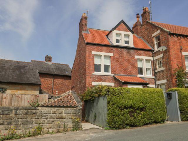 Arden House - 1015842 - photo 1