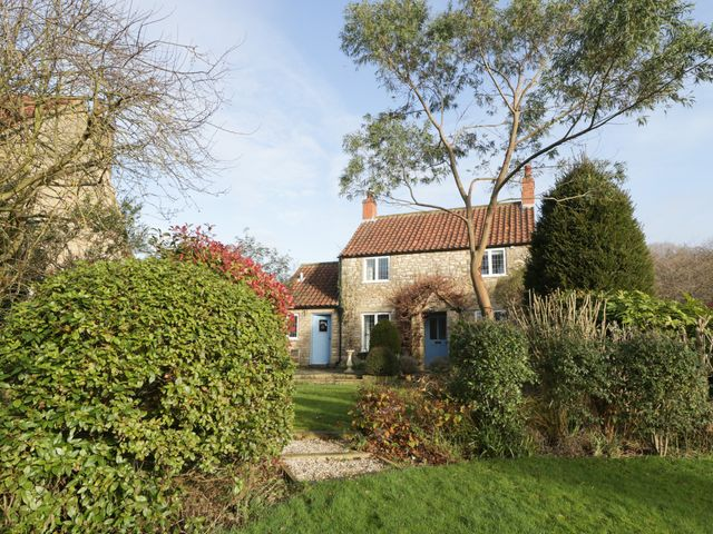 Howe Green Cottage photo 1
