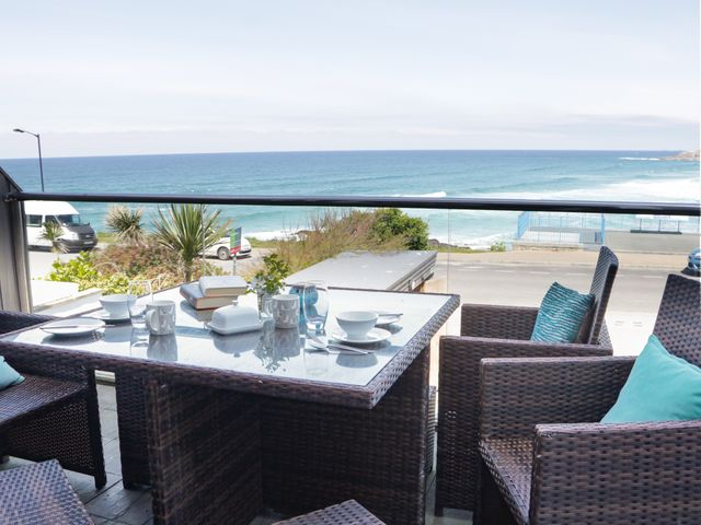 Apartment 3 Fistral Beach - 1038203 - photo 1