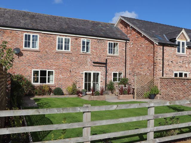 Oulton Barn House - 1039268 - photo 1