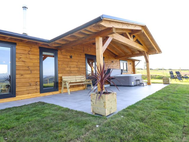 Bacheiddon Log Cabin photo 1