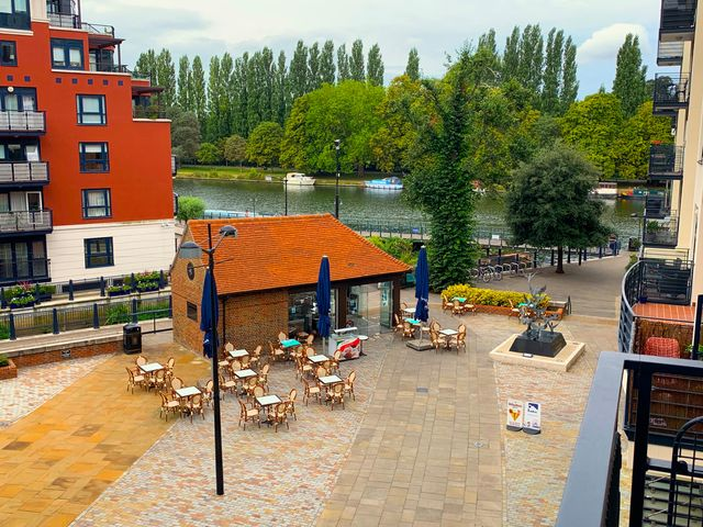 Apartment in Kingston-Upon-Thames