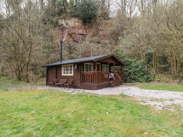 Walker Wood Log Cabin photo 1
