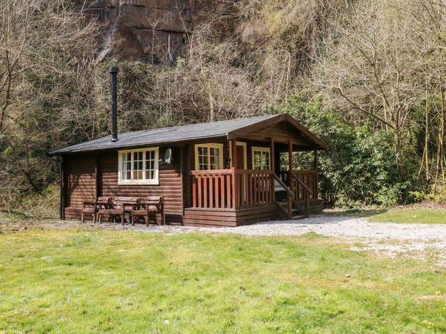 Walker Wood Log Cabin - 1053826 - photo 1