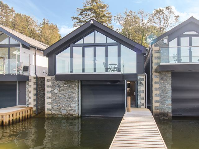 Boathouse on the Lake photo 1