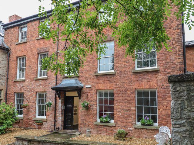 Apartment 9 - 1058122 - photo 1