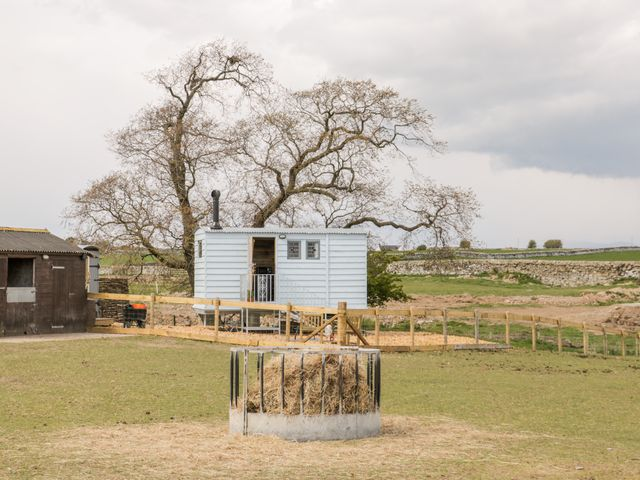 Ketburn Shepherds Hut photo 1