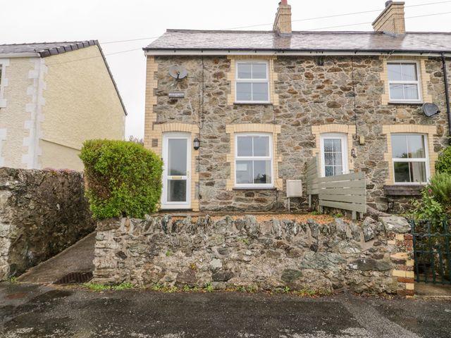 1 Bryn Iorwerth Terrace - 1073615 - photo 1