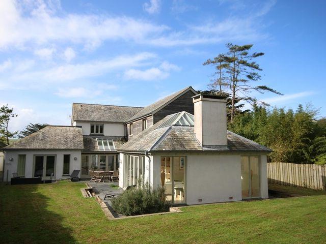Church Lane House - 1080558 - photo 1