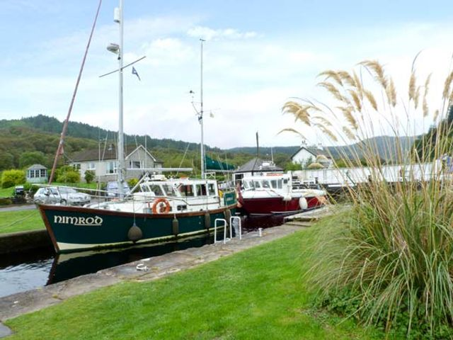 Crinan Canal Cottage