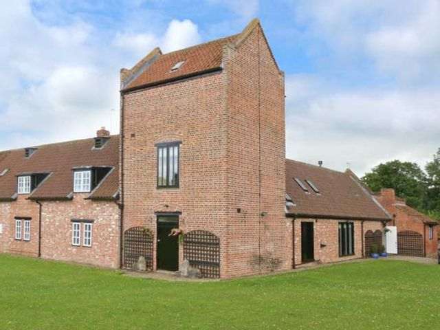 Willow Garth House - 27571 - photo 1