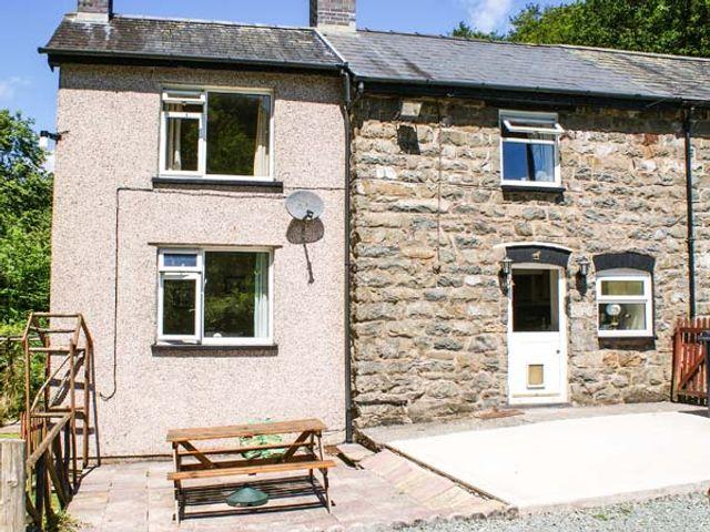 2 Llawrcoed Isaf, Wales
