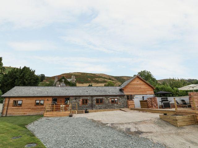 Rhianwen, Plas Moelfre Hall Barns - 912237 - photo 1