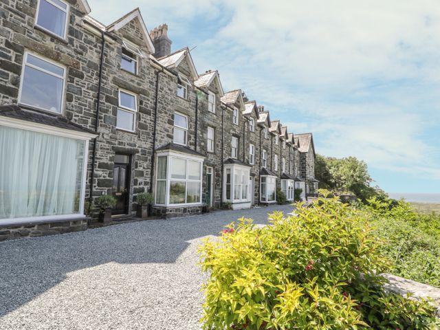 3 Bronwen Terrace - 914283 - photo 1