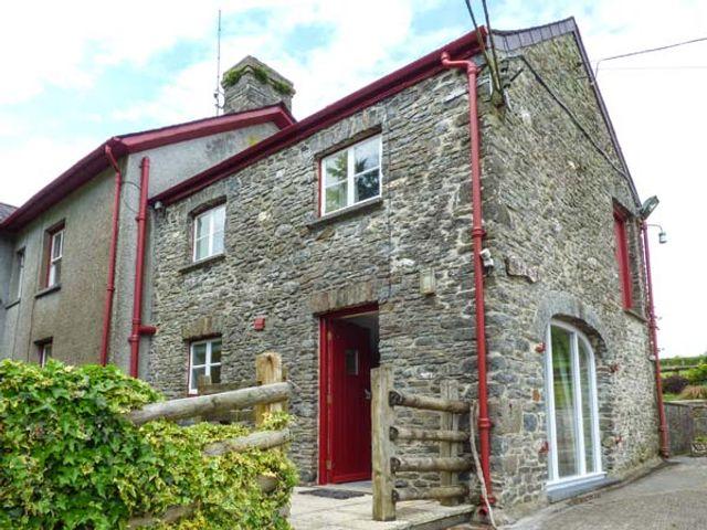 Crud-y-Barcud, Wales