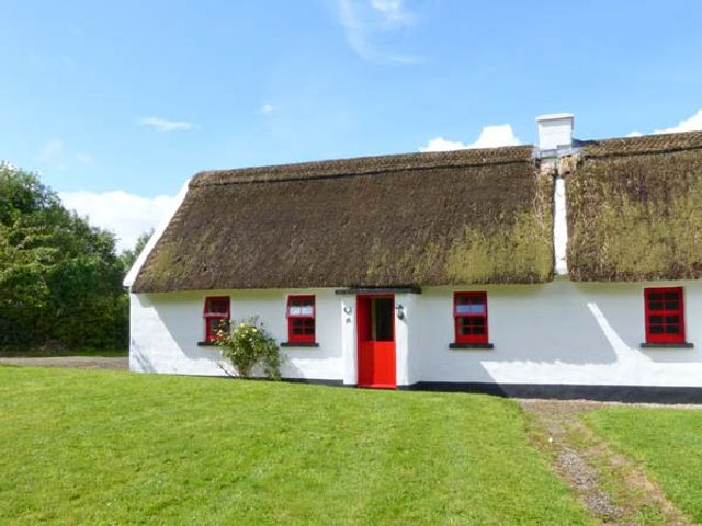 No. 10 Tipperary Thatched Cottage - 916416 - photo 1