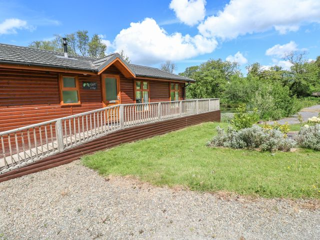 Oak Lodge, Wales