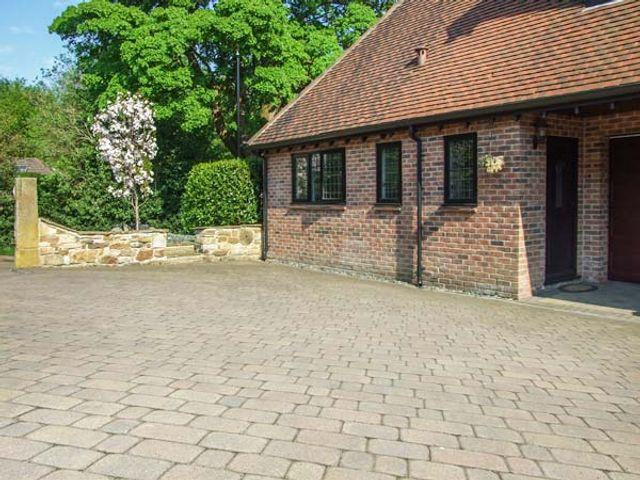 Beechcroft Corner House - 930258 - photo 1