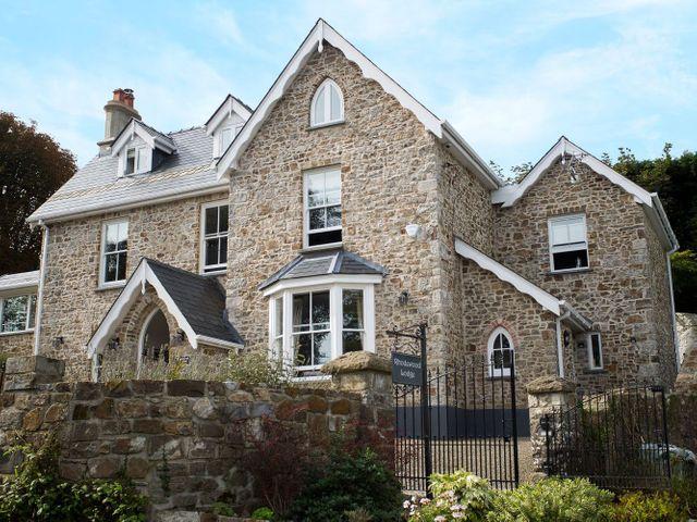 Rhodewood Lodge, Wales