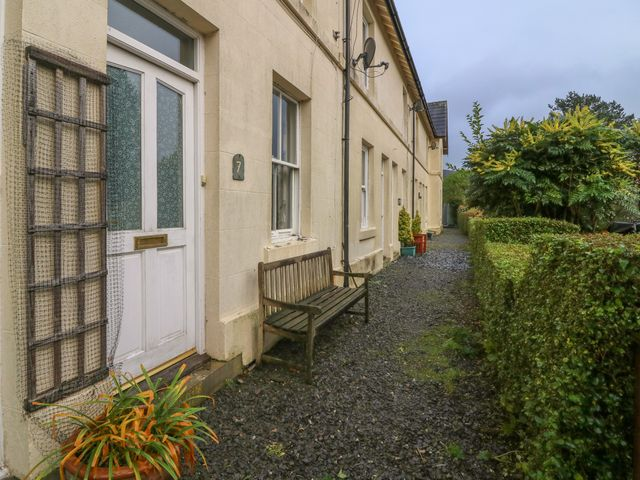 7 Railway Cottages - 933683 - photo 1