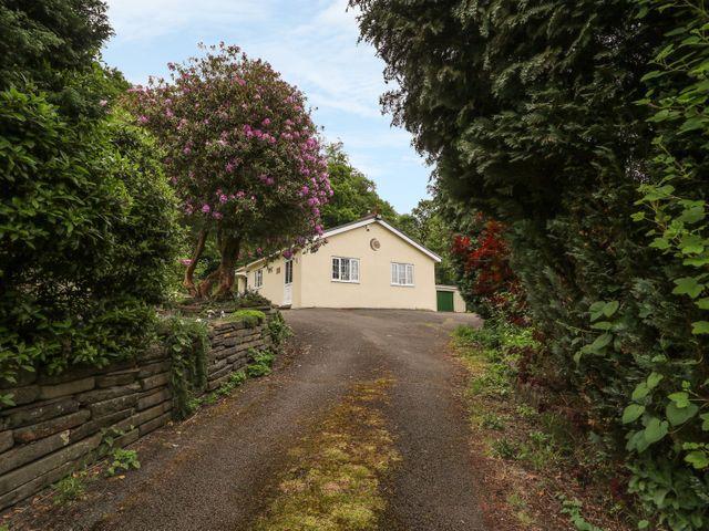 Sunnyside Lodge, Cwmbach