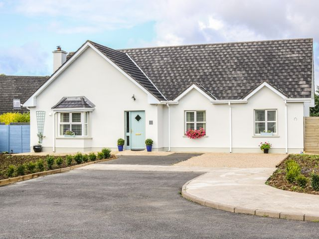 2 CASTLE COVE, Ireland, Western Ireland, Province of Connacht, Dromahair