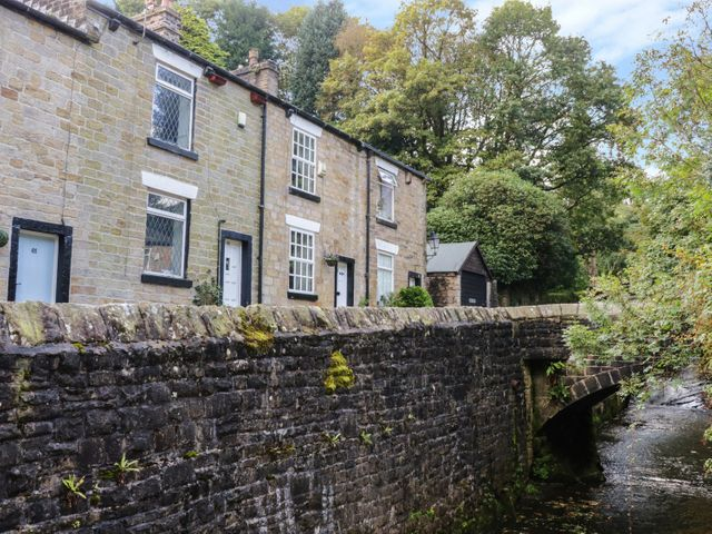 Brook Fall Cottage, Manchester
