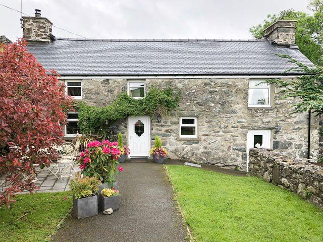 Cefn Uchaf Cottage - 972885 - photo 1