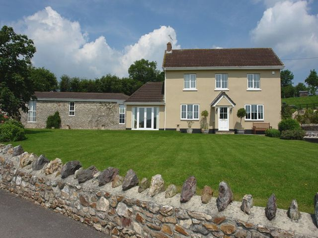 Lower Wadden Farmhouse and Annexe photo 1