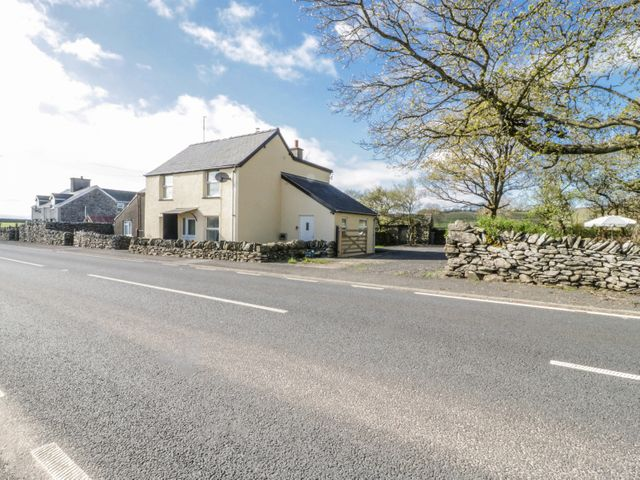5 Ceirnioge Cottages - 980229 - photo 1
